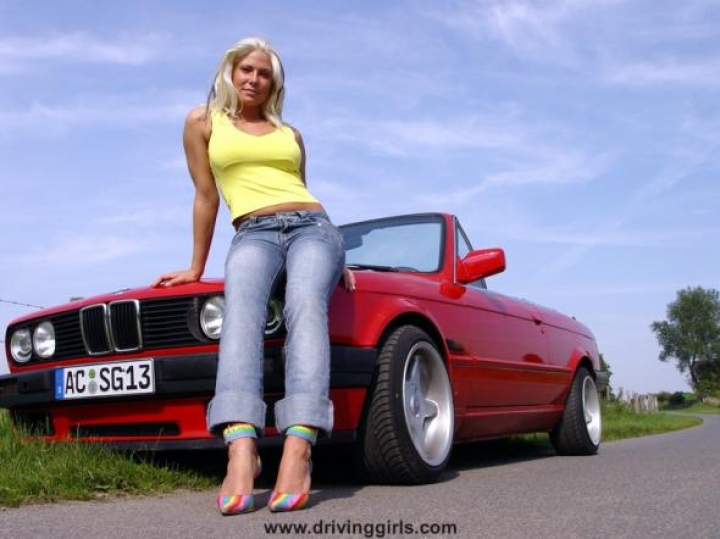 hot driving girls (9)