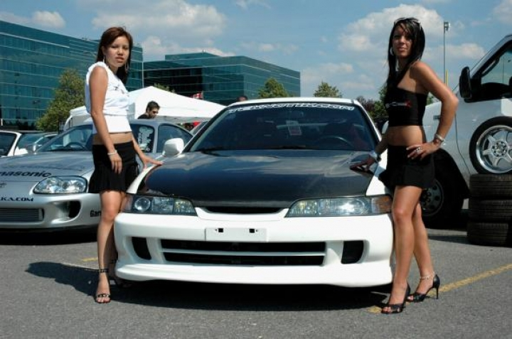 Sexy Car Babes
