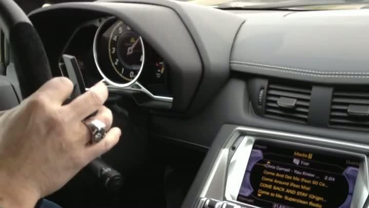 Lamborghini Aventador LP 700 mit 320 km/h auf der Autobahn